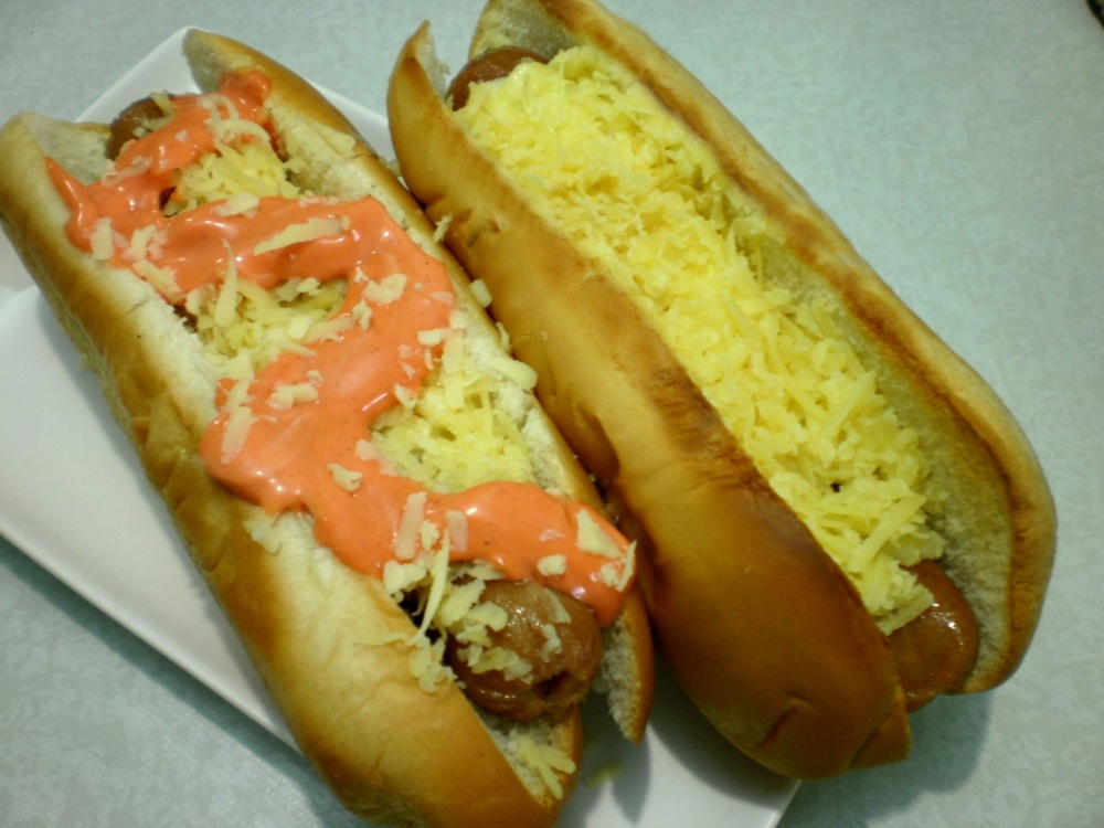 food recipe: HOW TO MAKE YOUR OWN JOLLY HOTDOG (1/6)