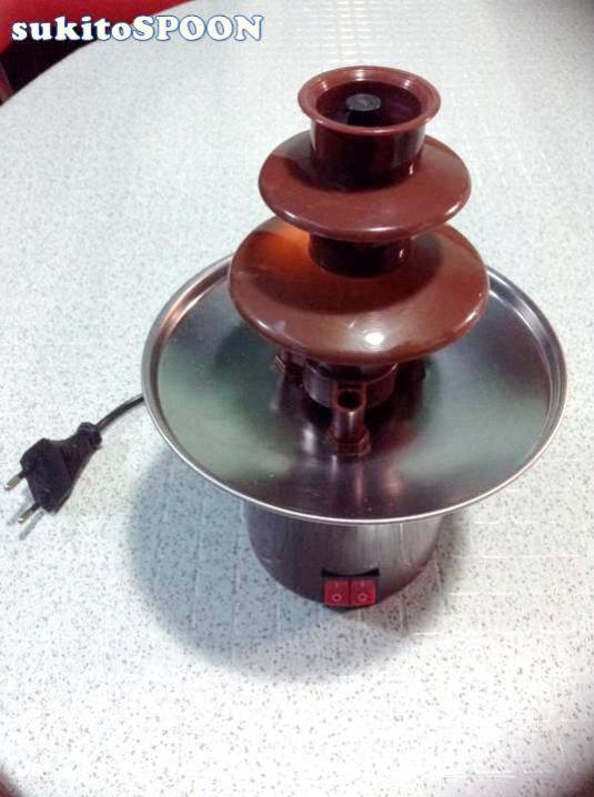 chocolate fountain with plug
