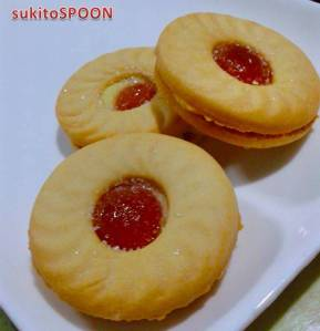 strawberry-filled biscuits